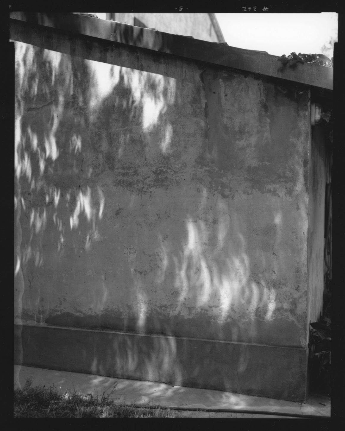 Guido Guidi, Ronta, Eclissi 11-8-1999, stampa ai sali d'argento, cm 24x30, © Guido Guidi, courtesy Viasaterna